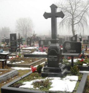 Элитный памятник в виде креста